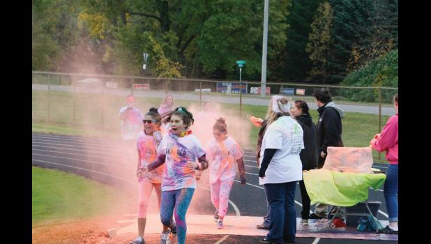 The Long Prairie-Grey Eagle Elementary students took part in a color run for their new school fundraiser.